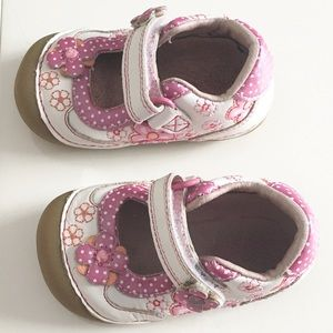Stride Rite toddler shoes 2.5